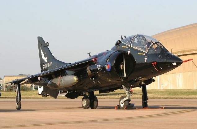 Hawker_Siddeley_Harrier_T8,_UK_-_Navy_AN0886344